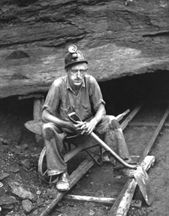 I am proud to say my grandfather & several of my uncles were coal miners in Appalachia. Vintage Pictures, Old Pictures, Old Photos, Little Big Planet, Appalachian People, Appalachian Mountains, Miyazaki, Tolkien, Coal Miners