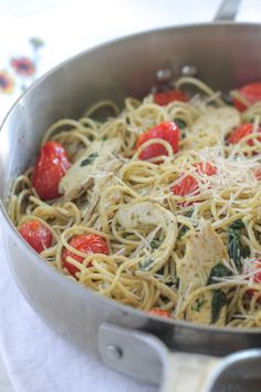 My Roasted Chicken and Tomato Pesto Spaghetti Florentine makes a delicious weeknight dinner whipped up in no time at all!