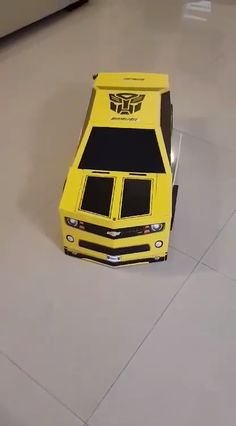 DIY Bumblebee Costume Template Want to be be a Transformer for Halloween! Get the template to make this Bumblebee costume. Transformer Halloween Costume, Car Costume, Transformer Birthday, Bumble Bee Transformer Costume, Costume Makeup, Easy Diy Costumes, Homemade Halloween Costumes, Halloween Costumes For Kids, Kid Costumes