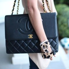 Oversized Chanel and leopard gloves, lust!