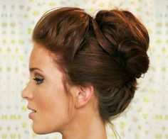 Updos for Medium Hair: Bouffant