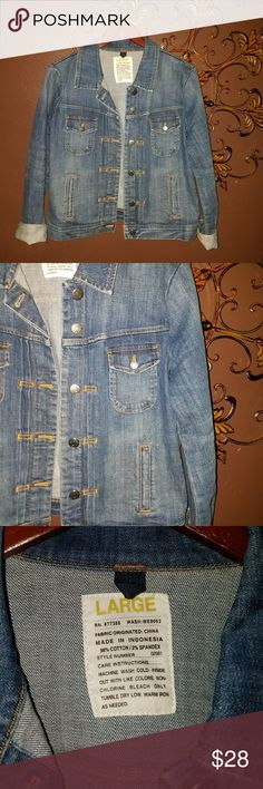 J Crew Denim Jacket Women's J Crew Denim Jacket size Large  Medium Wash  ♡♡♡ Please visit my closet for more great clothing and accessories by this designer and others. All items are inspected for damage/staining before listing and shipping♡♡ and all items are shipped swiftly and with care.  I'm here to answer any question you may have!  I ♡ Offers and Bundle Deals!   Thanks for looking... ~Bluebirds Closet J. Crew Jackets & Coats Jean Jackets