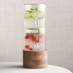 Sale ends soon. Shop Stacking Drink Dispenser with French Kitchen Stand. Each section of this clever double-decker drink dispenser holds one gallon of your favorite cold beverage, allowing you to easily serve two different drinks at a time. Cool Kitchen Gadgets, Kitchen Items, Cool Kitchens, Kitchen Cook, Smart Kitchen, Glass Dispenser, Drink Dispenser, Cocina Star Wars, Cold Drinks