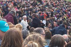 Dronning Margrethe Røde Orm: Dronning Margrethe havde sammen med de andre publikummer trodset vind og vejr for at nyde forestillingen.