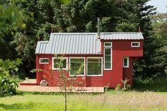 Tiny House in Scotland w/ a wonderful layout