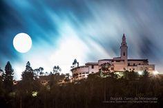 """Mario Carvajal (@mariocarvajal) en Instagram: """"Así empezó la Súper Luna de hoy, en Bogotá Colombia #moon #superluna #luna #eclipse #bogota…"""""""