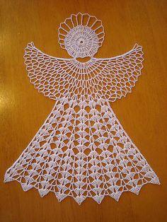 Háčkovaný veľký anjel / MajusaHackovanie - Her Crochet Filet Crochet, Crochet Motif, Crochet Doilies, Hand Crochet, Crochet Lace, Crochet Hooks, Crochet Snowflake Pattern, Crochet Snowflakes, Doily Patterns