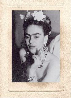 Frida en Nueva York Foto por Julien Levy 1938