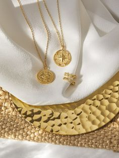 Coins, Gold Necklace, Jewels, Spring, Collection, Fashion, Gold Paint, Sachets, Moda