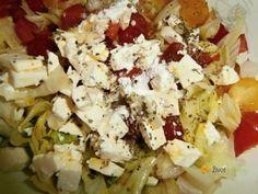 Jarní salát s cherry rajčátky a balkánským sýrem