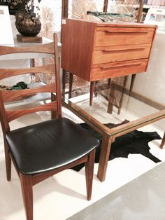 wenge Japanese style coffee table with glass top  selected by www.sandervaneyck.nl  SOLD!