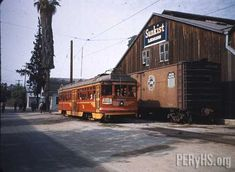 5061 at Sunkist Lemons | Pacific Electric Railway Historical Society
