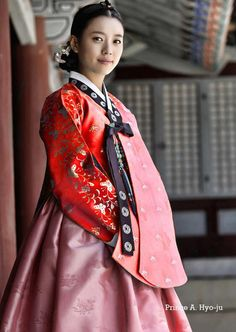Dong yi hanbok with photoshop