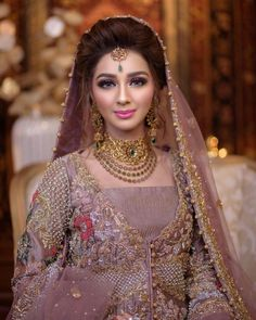 AsMa Mujeer Pakistani Bridal Makeup, Bridal Mehndi Dresses, Pakistani Wedding Outfits, Pakistani Wedding Dresses, Pakistani Couture, Wedding Gowns, Pakistan Bride, Muslim Brides, Bridal Photoshoot