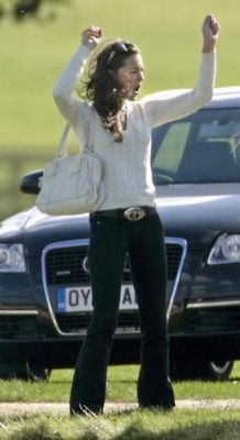 Adorable. Cheering for Wills in a polo match!   #katemiddleton