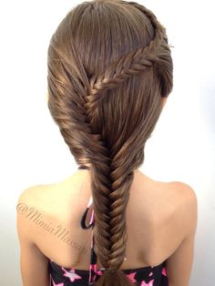 Fishtail braid by @mimiamassari