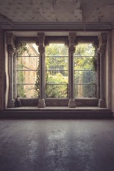 Would love these windows in my bedroom or living room, or kitchen, or bath, or really just about any place.