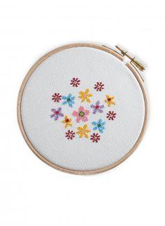 191 best Fleurs au point de croix! images on Pinterest | Cross stitches, Embroidery and Cross ...