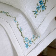 Luxury hand embroidered linen Set of sheet and pillowcase.