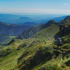 PL Gdzie jest słońce? Ktokolwiek widział ktokolwiek wie? Litości! Nawet w Bułgarii leje (w górach nizin nie sprawdzam) .  ENG Whoever saw whoever knows where the sun is? Even in Bulgaria it's raining! .  Bulgaria Stara Planina Kom - Emine Trail August 2016 . .  #Bułgaria #komemine #bulgaria #centralbalkan #комемине #Булгария #горы #góry #mountains #mountainsview #wapniakiwdrodze #trailscalling #staraplanina #hikingtrails #hikingtrail #szlakkomemine #mountainsarecalling #wędrówka #lato…