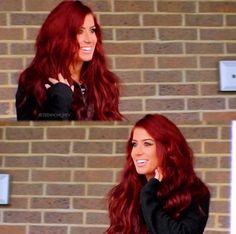 Red hair for fall Cute Hair Colors, Pretty Hair Color, Hair Color And Cut, Hair Colours, Chelsea Houska Hair Color, Fall Red Hair, Red Hair Inspo, Pretty Hairstyles, Wedding Hairstyles