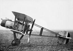 BRITISH AIRCRAFT FIRST WORLD WAR 1914-1918 (Q 68158) Vickers F.B.12 single-seat pusher fighting scout.