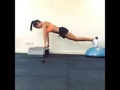 Bit of core and arms! Check out my NEW website and NEW ebooks at www.kaylaitsines.com.au :) #kaylaitsines #workout #gym