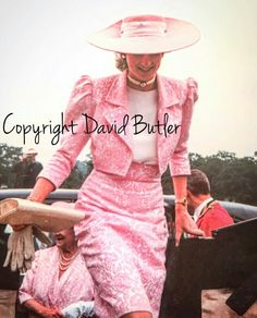 Diana with the Queen Mother almost in the same pink pattern!