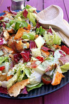 Sugg-r and some Salt: ensalada césar de pollo crujiente con polenta {de Jamie Oliver} Jamie Oliver, Polenta, Cobb Salad, Salads, Meat, Chicken, Food, Breast, Recipes