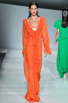 A moda de Victor Dzenk nunca é minimal.