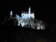'Schloss+Neuschwanstein+bei+Nacht+'+von+Elke+Seifried+bei+artflakes.com+als+Poster+oder+Kunstdruck+
