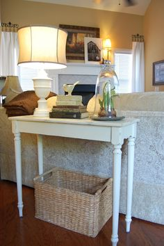 Tutorial on painting furniture with chalk paint.