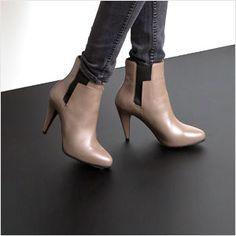 "Shoes, Accessories, & Sunglasses -                                                                        Balenciaga ""Classic""  Leather Ballet Flat                                 Balenciaga ""Classic Ballerina"" Leather Flat                                 Balenciaga ""Classic Continental""...  #Boot, #Cap, #Diamond, #Pad, #Pump, #Sandal, #Slipper, #Sunglasses, #Thong, #Wallet"