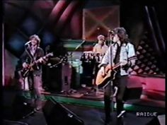 The Church - Under the milky way 1988 - live on Italian TV http://youtu.be/J7cJVStGT2Y