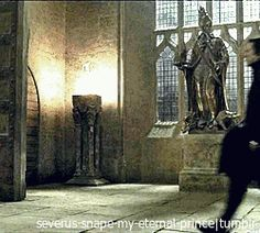 """xpolyjuicepotion: """" derula35: """" severus-snape-my-eternal-prince: """" Oh, when this Wizard walks away… He definitely takes our hearts with him! ♥ ♥ ♥ """" Ohhh esse movimento do cabelos do Snape ui """" """""""