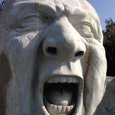 Gigantic Sculpture on Széchenyi Tér