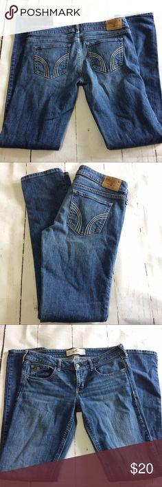 "Women's Hollister Skinny Jeans Skinny Jeans. 5 pockets. Size 7R. Rise 7 1/2"". Inseam 31"". Hollister Jeans Skinny"