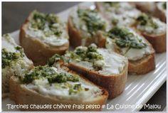 Simple // Tartines chaudes de chèvre frais et pesto