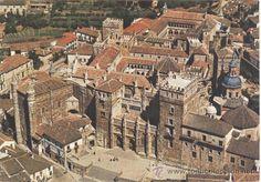 Monasterio de Guadalupe. Caceres Portugal Travel, Spain And Portugal, Spain Travel, Portugal Trip, Places To Travel, Places To Visit, Places Worth Visiting, Granada, Spain Holidays
