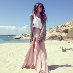 Love this outfit. Looks so comfy.