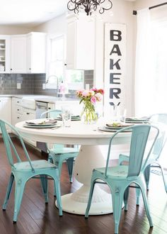DIY Chalk Paint Tabl