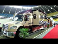 2012 Jayco Embark MotorHome Exterior and Interior at 2012 Montreal Recreational Vehicle Show Rv Travel, Travel Style, Rv Camping, Glamping, Luxury Rv Living, Class C Rv, Transportation Services, Big Trucks, Motorhome