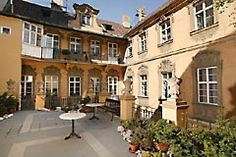 Hotel U Zlateho jelena (Golden Deer hotel) - your gate to the Old Town