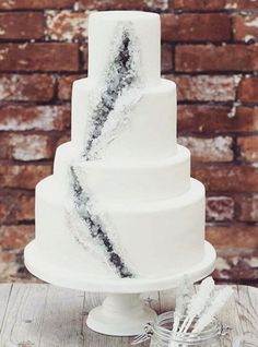 Geode wedding cakes are BLOWING our minds. So cool!