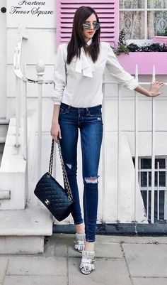 simple outfit idea blouse + bag + rips