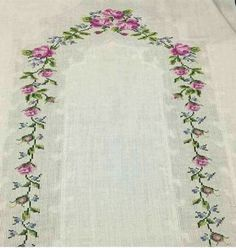 En Beğenilen Seccade Modelleri - Tie Tutorial and Ideas Towel Embroidery, Embroidery Flowers Pattern, Embroidery Needles, Cross Stitch Embroidery, Flower Patterns, Cross Stitch Patterns, Crochet Flower Headbands, Crochet Flowers, Stitch Crochet