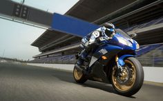 Yamaha YZF-R6 - Scalpel Apex Killer but should stay on racetracks