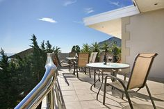 Camps Bay relaxing Table Mountain, Mountain View, Camps, Free Wifi, Cape Town, This Is Us, Villa, Patio, Contemporary