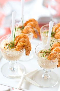 Wedding Food Plan a seaside southern soiree with menu ideas recipes! - Celebrate with a seaside southern flair and enjoy this mini shrimp and grits appetizer as well as details on a chic wine party! Bridal Shower Appetizers, Wedding Appetizers, Wedding Snacks, Wedding Finger Foods, Wedding Food Bars, Wedding Foods, Southern Appetizers, Southern Recipes, New Year's Eve Appetizers