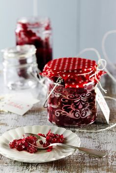 Punasipulihilloke | K-ruoka #joulu Xmas Food, Diy Presents, Christmas Kitchen, Food Pictures, Raspberry, Food Photography, Deserts, Food And Drink, Treats